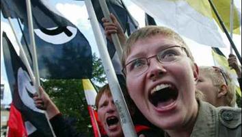 OPOSITORES RUSOS LIDERADOS POR KASPAROV PROTESTARON EN MOSCÚ CONTRA PUTIN