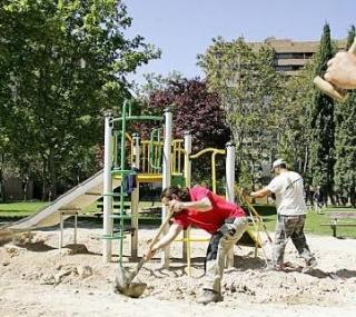 RENOVACIÓN DE ZONAS INFANTILES EN LOS PARQUES DE ZARAGOZA. UNA BUENA NOTICIA