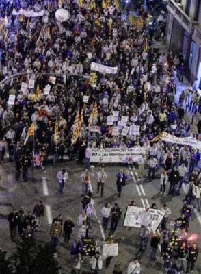 """""""SIN INDUSTRIA NO HAY FUTURO, SIN EMPLEO NO HAY CULTURA"""". 10.000 MANIFESTANTES EN BARCELONA CONTRA LOS DESPIDOS"""